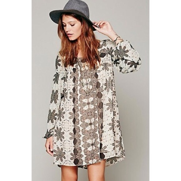 8e906ce793c6 Free People Dresses   Skirts - Free People Late Summer Love Long Sleeve  Dress B98